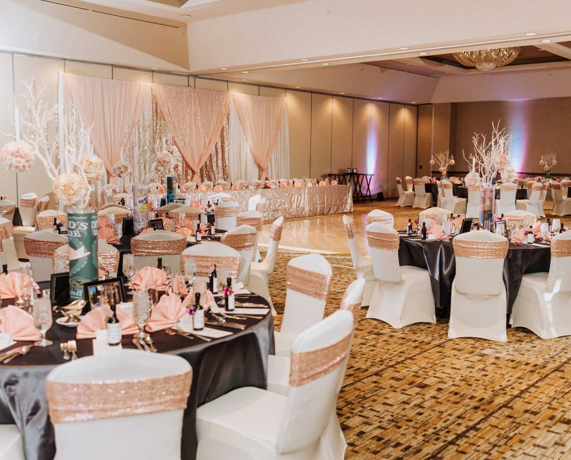 Grande Ballroom wedding set-up with sparkling accents and pretty table decor